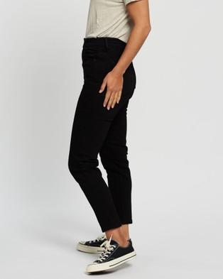 Silent Theory - Sierra Mom Jeans - High-Waisted (BLACK) Sierra Mom Jeans