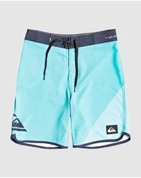 Quiksilver - Boys 8-16 Highline New Wave 17