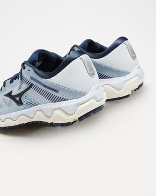 Mizuno Wave Horizon 4   Women's - Performance Shoes (Arctic Ice / Mood Indigo)