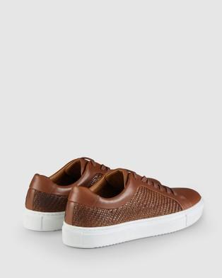 Aquila Aztec Sneakers - Low Top Sneakers (Tan)
