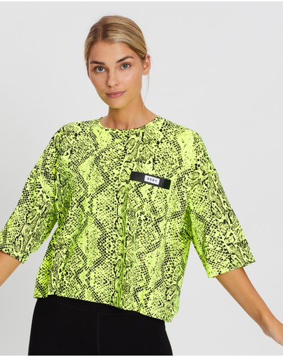 DKNY - Short Sleeve Cropped Tee With Bonded Pocket Detail