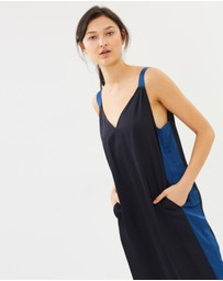 ONETEASPOON - Peacocking Queenie Dress
