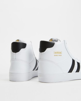adidas Originals Basket Profi   Unisex - Lifestyle Sneakers (Cloud White, Core Black & Gold Metallic)