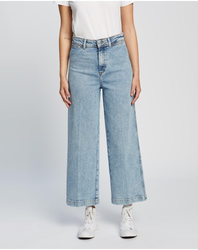Tommy Hilfiger - High-Waisted Bell Bottom Jeans