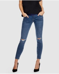 TOPSHOP Maternity - Under-Bump Ripped Jamie Jeans