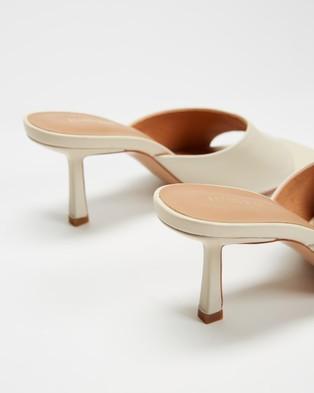Alias Mae Lilah - Heels (Bone Leather)