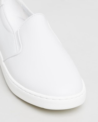 Vionic Avery Pro Slip On Sneakers - Lifestyle Sneakers (White)