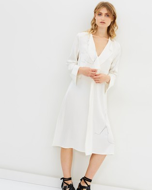 ALTEWAISAOME – Tuck Dress White Embroidered