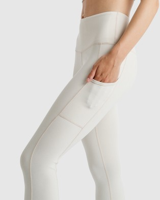 The Brave Women's Elevate 7 8th Tights - 7/8 Tights (White)