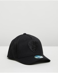Mitchell & Ness - All Black Logo 110 Snapback - Men's
