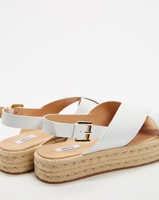 Dazie Sandy Flatforms - Flats (Off White)