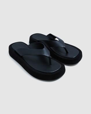Alice In The Eve - Tai Platform Thongs - Heels (BLACK) Tai Platform Thongs