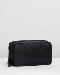 Calvin Klein - Shadow Washbag