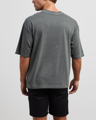 Afends Recycle Or Die Oversized Tee - T-Shirts & Singlets (Gunmetal)