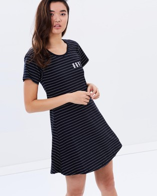 ilabb – Align Tee Dress – Dresses (Black & White)