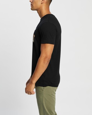 Brixton - BB Fly Now SS Tailored Tee T-Shirts & Singlets (Black)