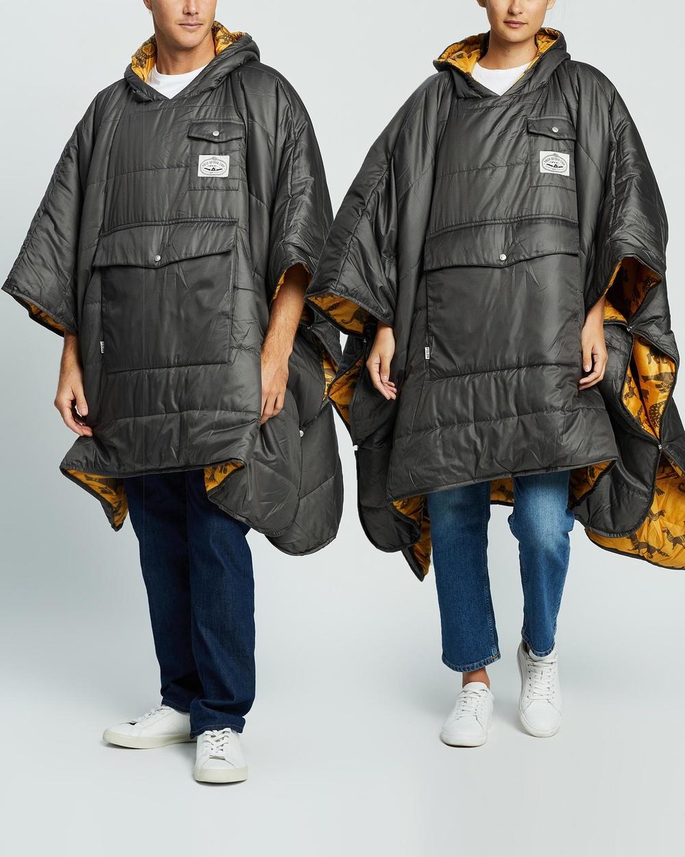 Poler Reversible Poncho Unisex Sleeping Bags & Napsacks Off Black Ginger Critter