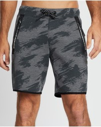 Superdry Sport - Core Gym Tech Shorts
