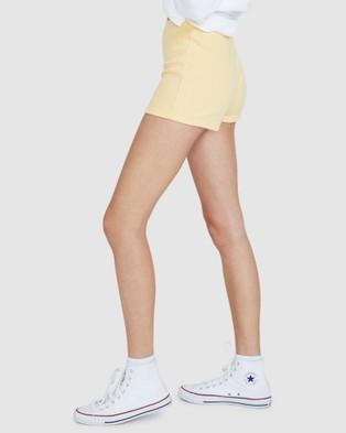 Dont Ask Amanda Kelbie Ribbed Hot Shorts - Shorts (YELLOW)