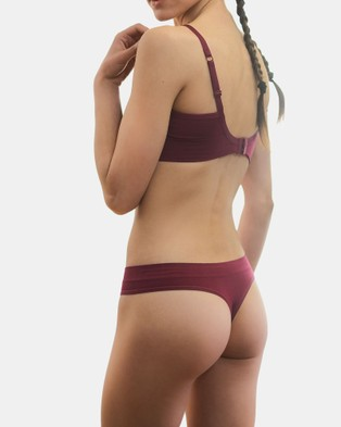 B Free Intimate Apparel Thong   No Panty Lines   3 Pack - Thongs & G-Strings (Red)