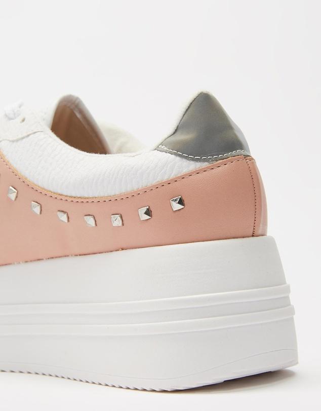 Women Fiorella Sneakers