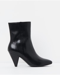 Atmos&Here - ICONIC EXCLUSIVE - Noel Leather Ankle Boots