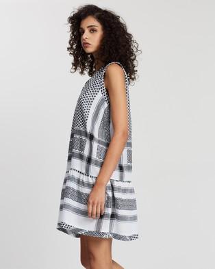 Cecilie Copenhagen Dress 2, V, No Sleeves - Dresses (Black & White)