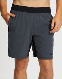 Nike - Active Flex Shorts