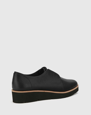 Wittner Jax Leather Platform Brogues - Flats (Black)