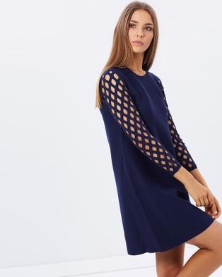 Karen Millen – Lattice Sleeve Dress – Dresses (Navy)