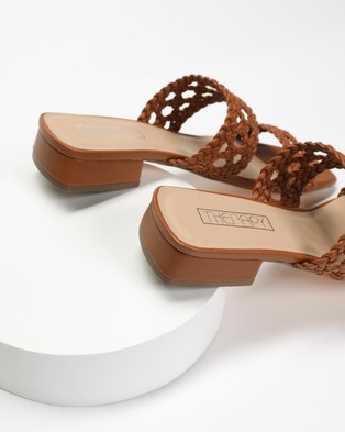 Therapy Linny - Flats (Brown)