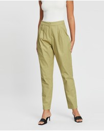 Dazie - Ready for the Weekend Pleat Front Pants
