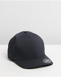 Delta Fitted Cap
