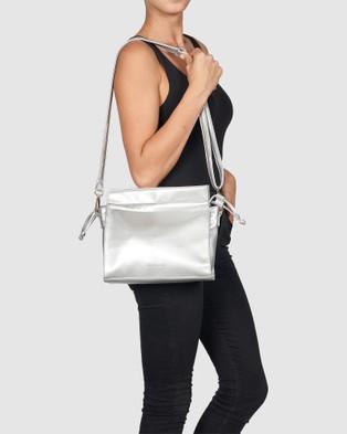 Urban Originals Wild Child - Handbags (Silver)