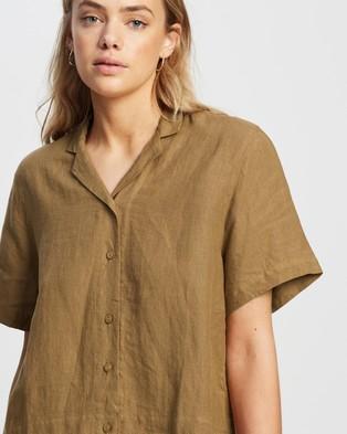 Andrea & Joen Iris Short Sleeve Shirt - Tops (Tan)