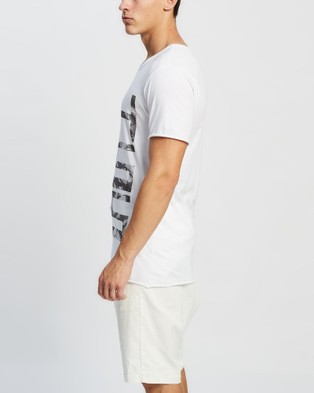 Surrounded By Ghosts The Onyx Slim Cotton Graphic T Shirt - T-Shirts & Singlets (White Ghosts)