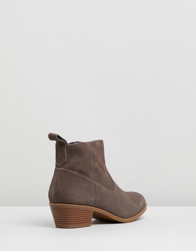 Women Vera Boots