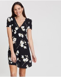 Dorothy Perkins - Peony Fit-and-Flare Dress