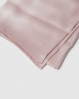 Sleepy Dee 22 Momme Mulberry Silk Wish Terse Pillowcase Wellness Pink