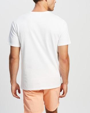 Champion Heritage Graphic Tee - T-Shirts & Singlets (White)