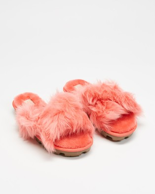 UGG Fuzzalicious Slippers   Women's - Slippers & Accessories (Coral)