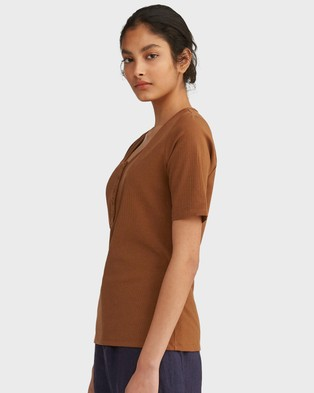 Morrison Rudy Top - T-Shirts & Singlets (Toffee)