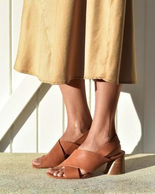Eos Petal - Sandals (Brown)