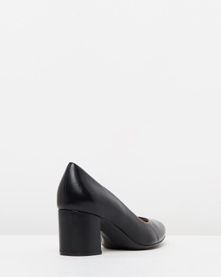 Naturalizer Whitney - All Pumps (Black)