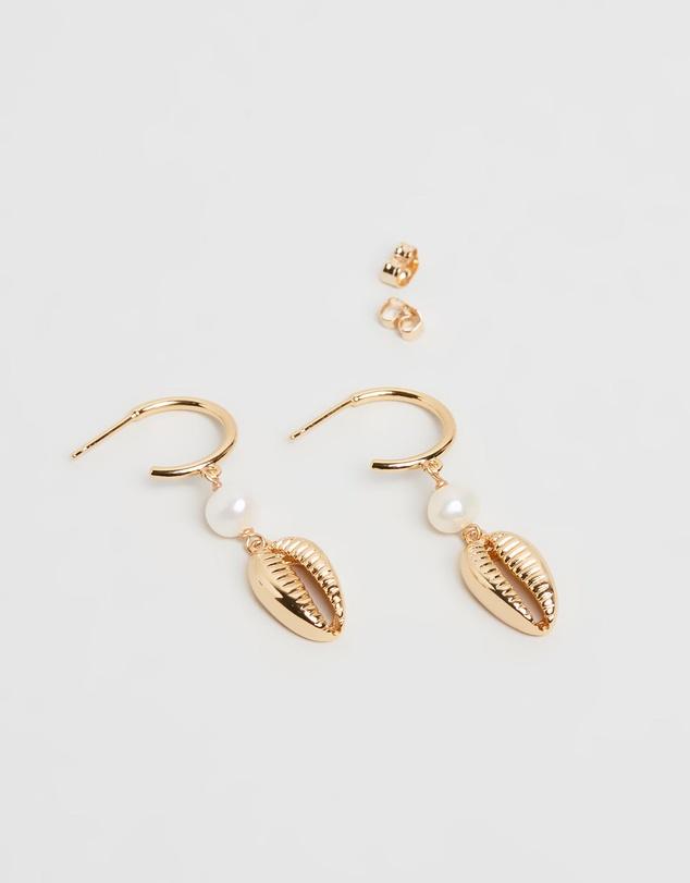 Women Eris Cowrie Shell Earrings