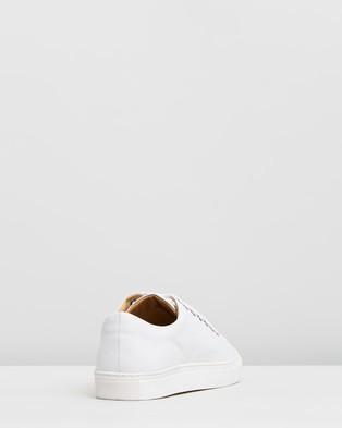 Double Oak Mills Meadows Leather Sneakers - Sneakers (White)