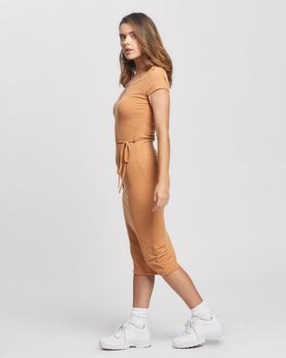 Missguided Petite Petite SS Tie Belt Rib Midi Dress - Bodycon Dresses (Camel)