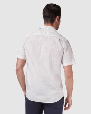 Blazer Ethan Short Sleeve Print Shirt - Shirts & Polos (Stone)
