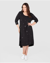 Love Your Wardrobe - Self-Spot Knit Swing Dress