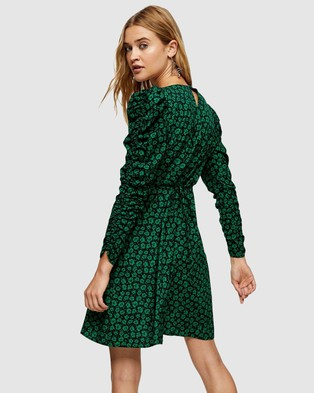 TOPSHOP Ruched Sleeve Floral Tea Dress - Printed Dresses (Black)